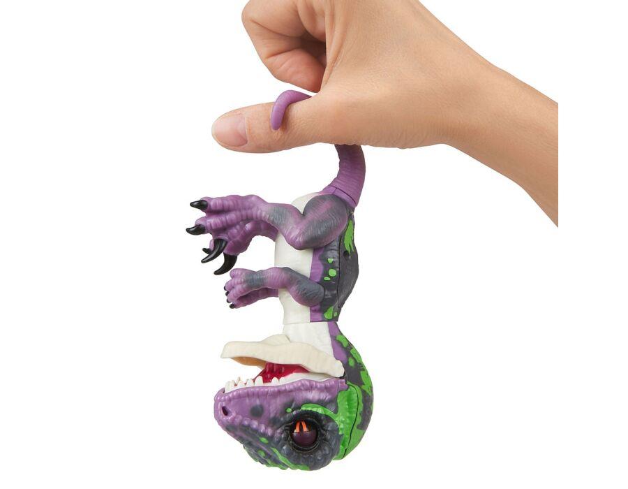 Fingerlings - Razor, a bébi velociraptor
